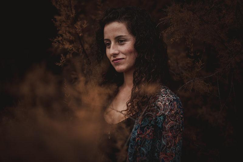 fotógrafos de retrato Granada - montse en otoño miguel moba fotografo