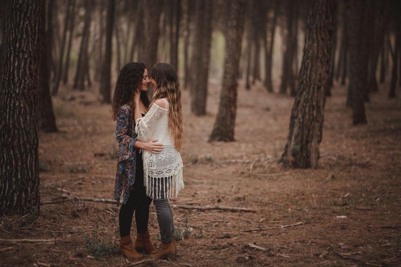 pareja en el bosque miguel moba fotografos