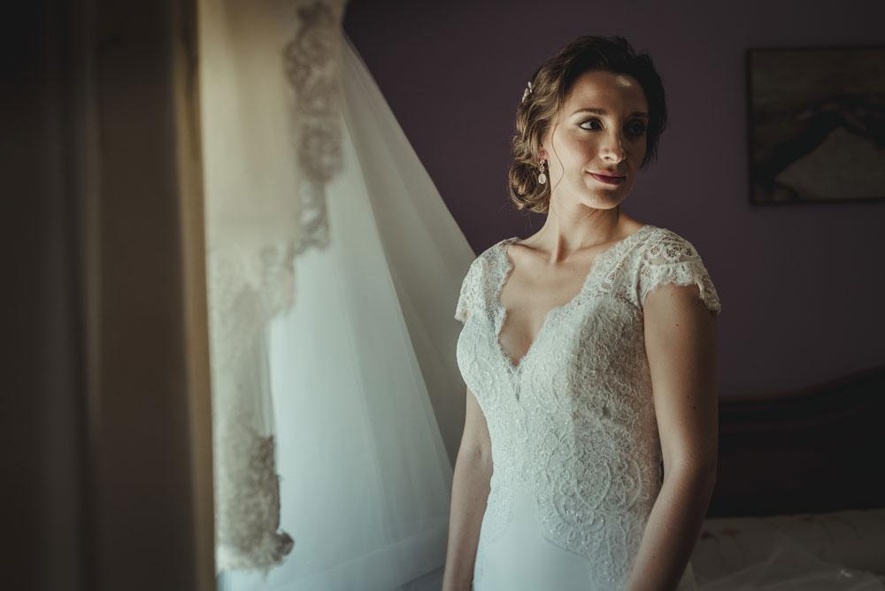 novia recién vestida Miguel Moba Fotografo de Bodas Granada