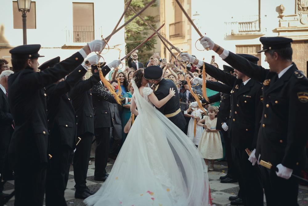 paseillo de policías en la boda Miguel Moba Fotografo de Bodas Granada
