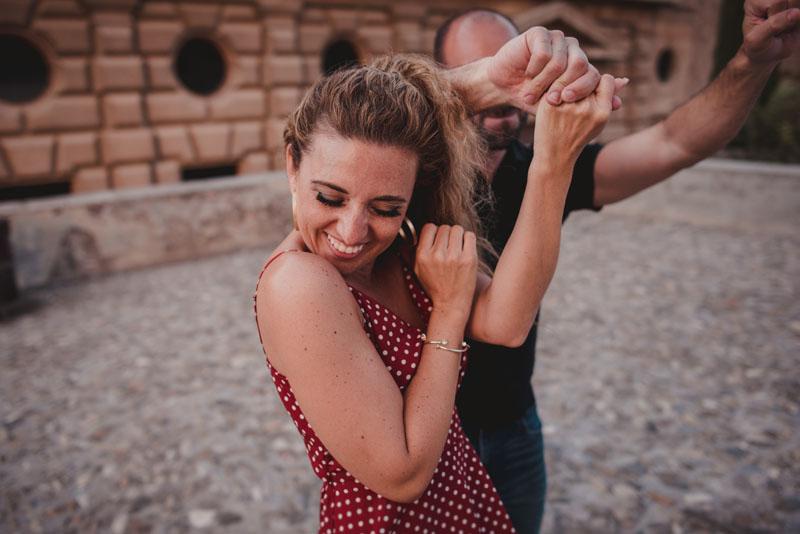 pareja bailando pre boda miguel moba fotografo internacional